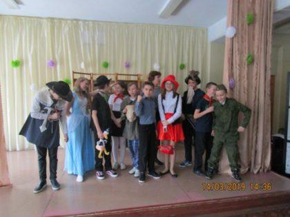 Участники спектакля